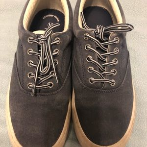 Men's Sperry lace-up or slide on shoe